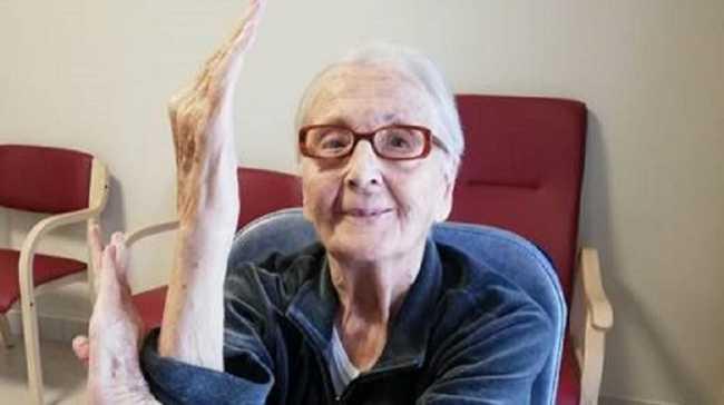 yoga centenaria